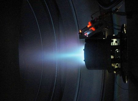 Polacy zbudowali silnik plazmowy do sond kosmicznych