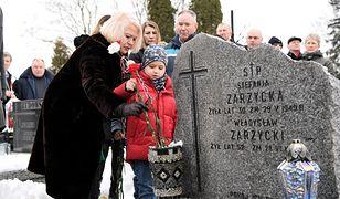 Magdalena Zarzycka-Redwan podczas uroczystości pogrzebowych rodziców w Lublinie