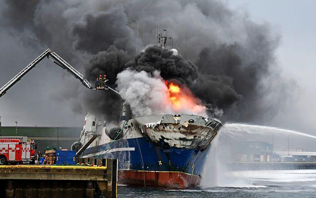 Norwegia: rosyjski statek płonie w porcie w Tromsö