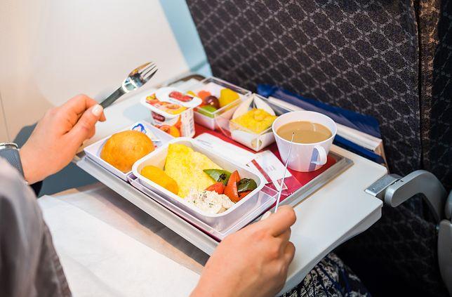 Posiłki w samolocie. Kilka faktów, o których mogłeś nie wiedzieć