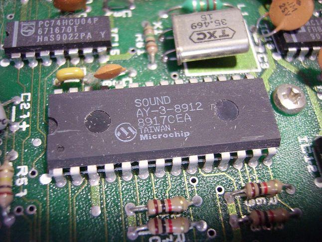 Układ AY-3-8912 w latach 80-tych był stosowany w wielu komputerach i konsolach do gier.