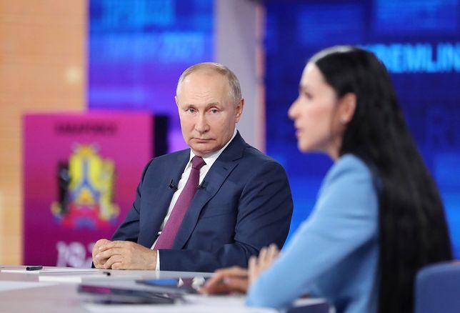 """Rosja. """"Hakerzy zaatakowali Putina"""". Incydent podczas konferencji"""
