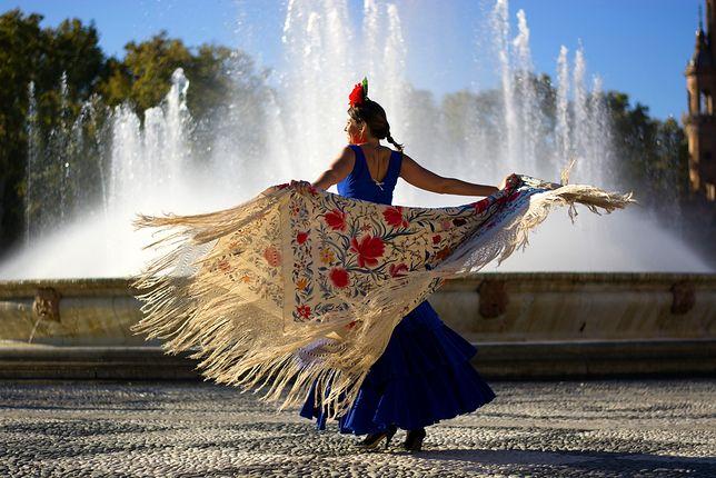 Flamenco to zjawisko kulturowe pełne energii, spontaniczności i kolorów.