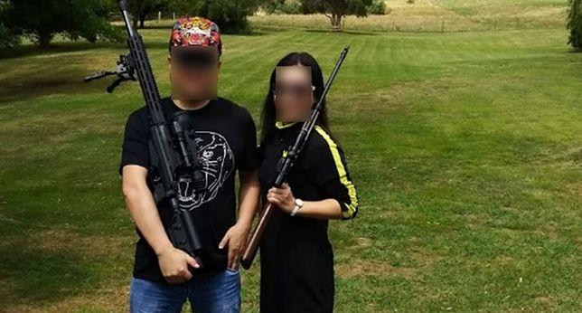 """Za 1000 dolarów chińscy turyści mogli otrzymać """"wszystkie rodzaje broni myśliwskiej, w tym między innymi strzelby z podwójną lufą, karabiny małego kalibru i karabiny snajperskie dużego kalibru"""""""