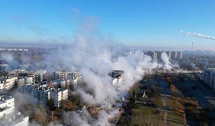 Warszawa. Para wodna nad ulicami po awarii sieci wodociągowej