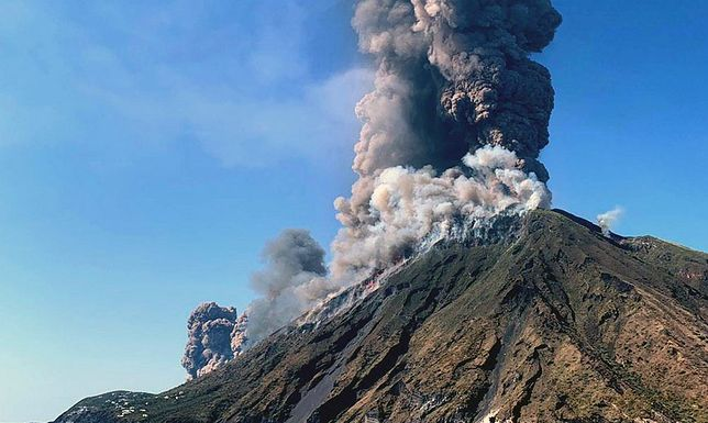 Włochy. Wybuch wulkanu Stromboli. Zobacz wstrząsające wideo