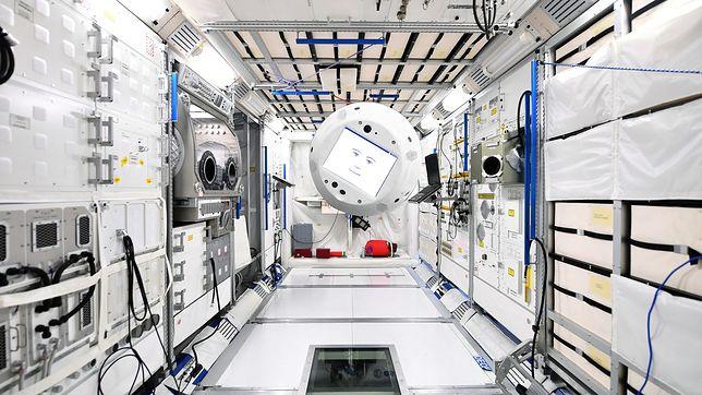 Pierwszy robot ze sztuczną inteligencją na Międzynarodowej Stacji Kosmicznej. Będzie członkiem załogi