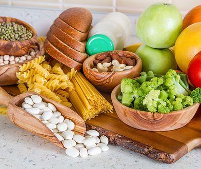 Dieta przeciwzapalna – czy dla każdego? O zasadach, które warto wcielić w życie