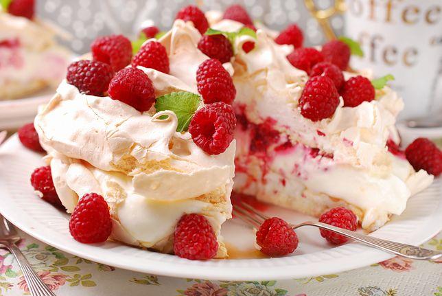 Jak zrobić bezowe blaty do tortu? Podpowiadamy, na co zwrócić uwagę!