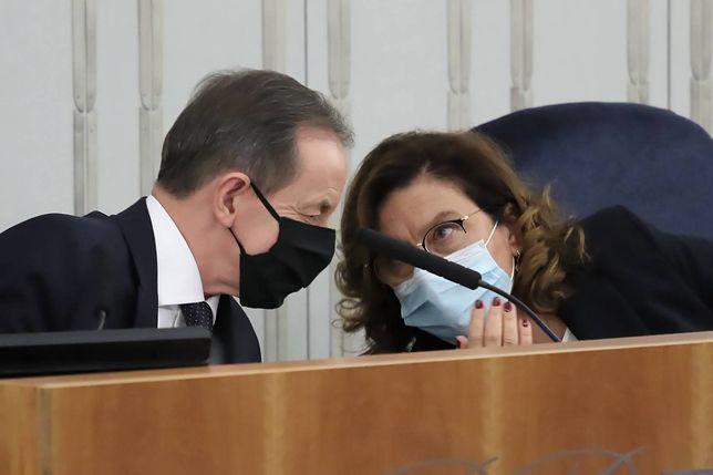 """Koronawirus w Polsce. """"Marszałek Senatu czuje się dobrze. Podda się testowi w piątek"""""""