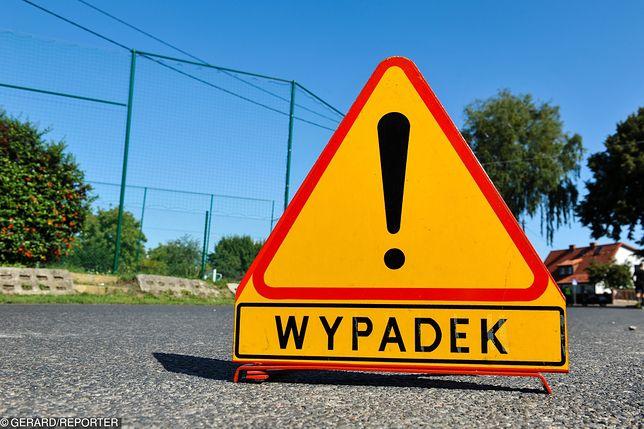 A2: Wypadek na autostradzie, zderzenie sześciu ciężarówek i samochodu osobowego. Olbrzymie korki w stronę Warszawy