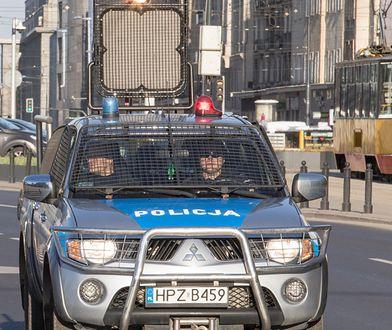 Koronawirus w Polsce. Warszawa. Policja apeluje o pozostanie w domach.