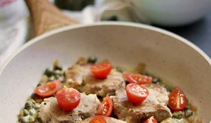 Polędwica wieprzowa duszona w sosie z kaparów. Podaj z ziemniaczanym puree