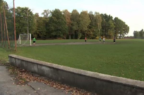 Tragedia na boisku w Pabianicach. 14-latek zmarł podczas treningu