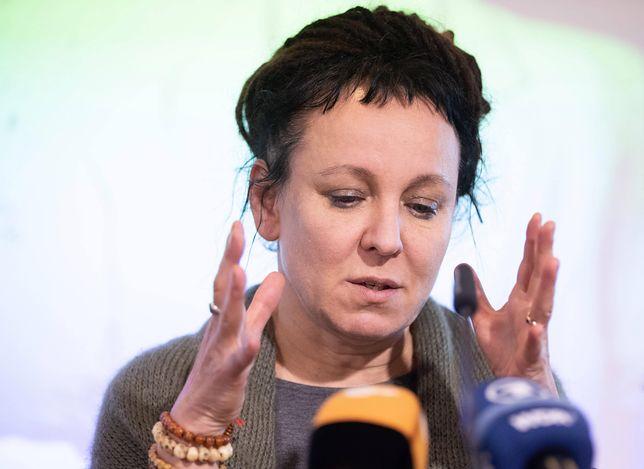 """Olga Tokarczuk rzuca """"slogany""""? Jacek Sasin ma do niej prośbę"""