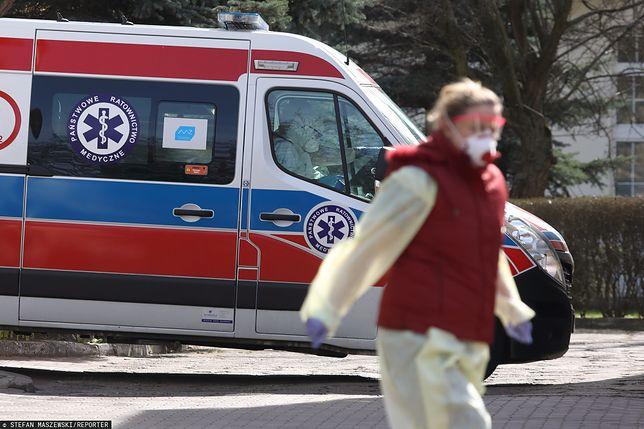 """Koronawirus w Polsce. Pracowników szpitala dotknęło wykluczenie. Powód: """"mogą mieć kontakt z chorymi"""""""