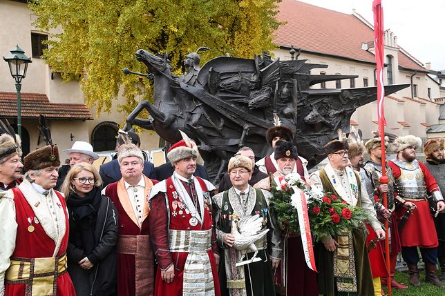 Pomnik tymczasowo stanął w Krakowie
