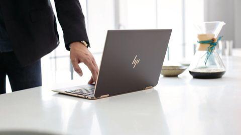 Nowy HP Spectre x360 zadba o prywatność. Koniec z zaklejaniem kamerki plastrem