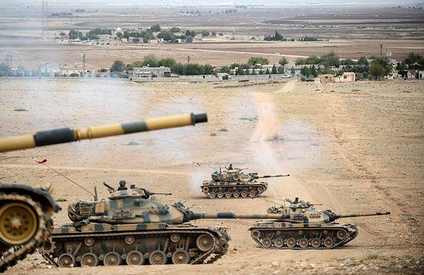 Tureckie czołgi przy granicy z Syrią