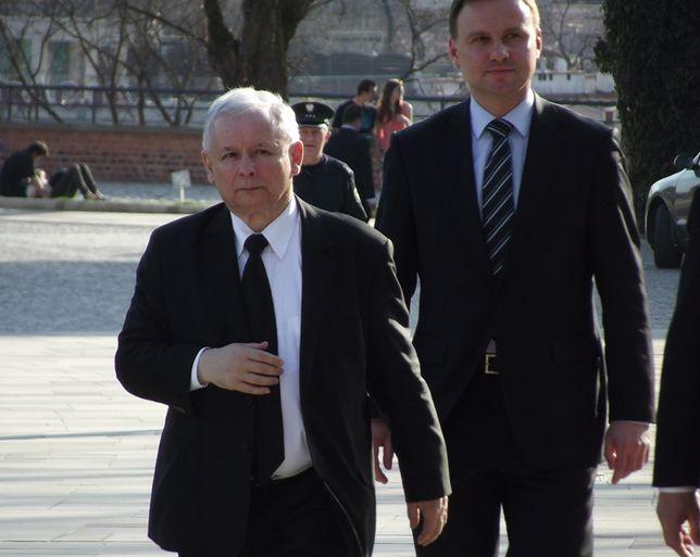 Już po spotkaniu Duda-Kaczyński. Zobacz, co dzieje się przed Belwederem