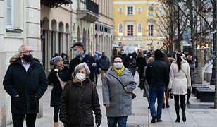 """Kiedy pandemia koronawirusa skończy się w Polsce? """"Zagraża nam góra lodowa"""""""