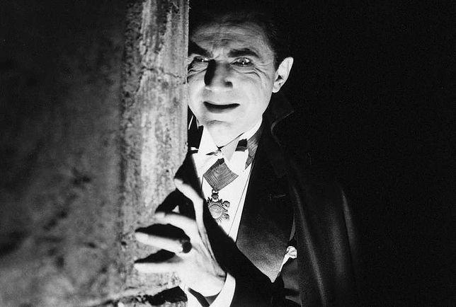 Bela Lugosi jeszcze raz wcieli się w Draculę. Powstaje wierna komiksowa adaptacja powieści Brama Stokera