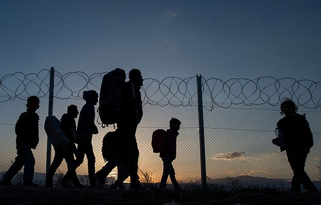 Migranci gotowi do sforsowania granicy grecko-macedońskiej