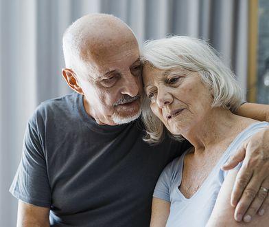 W tym kraju emeryci nie zrobią zakupów po 10:00. Decyzja wywołała oburzenie