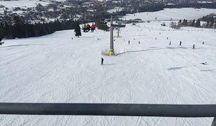 Za jazdę na nartach w czasie lockdownu można zapłacić słoną karę.