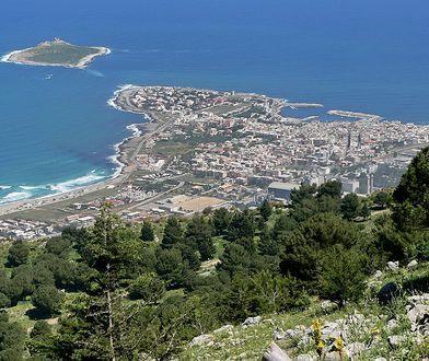 Isola delle Femmine ma niezwykle bogatą historię. Została zamieszkana już w czasach starożytnej Grecji i Rzymu