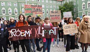 Młodzieżowy Strajk Klimatyczny w Szczecinie - marsz w proteście wobec kryzysu klimatycznego