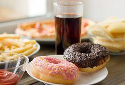 Produkty osłabiające organizm. Jaka żywność niszczy układ odpornościowy?