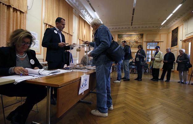 Prawybory francuskich Republikanów. Drugą turę wygrał Fillon