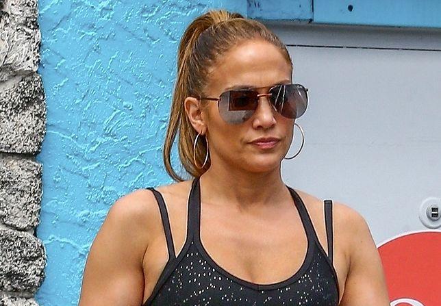 49-letnia Jennifer Lopez zachwyca swoją figurą