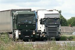 GDDKiA za zakazem wyprzedzania dla ciężarówek