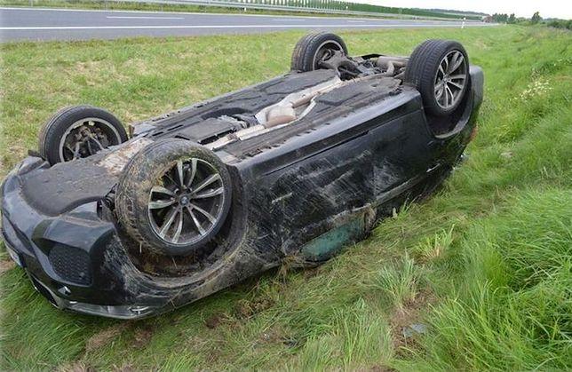 27-latka dachowała BMW X5. Jedna rzecz wzbudziła zainteresowanie funkcjonariuszy