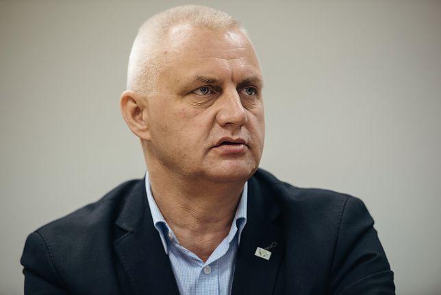 Były już prezes Fundacji Nie Lękajcie Się Marek Lisiński twierdzi, że nie wyłudził pieniędzy, tylko je pożyczył