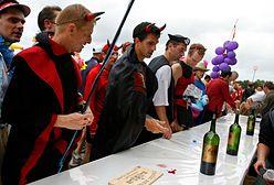 Wino, ostrygi i śpiew. Tak wygląda maraton w Medoc