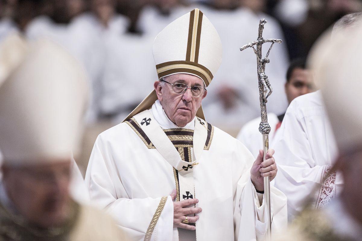 Watykan. Papież Franciszek przyjął dymisję Giovanniego Angelo Becciu
