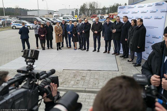 Andrzej Duda na uroczystości otwarcia nowej hali produkcyjno-magazynowej Agencji Rozwoju Przemysłu S.A. w Stalowej Woli