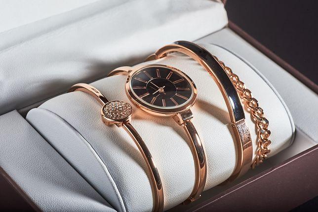 Niektóre zegarki można kupić w zestawie z pasującą bransoletką