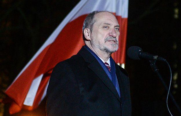 Wpadka Antoniego Macierewicza. Szef MON, z wykształcenia historyk, pomylił polskie powstania
