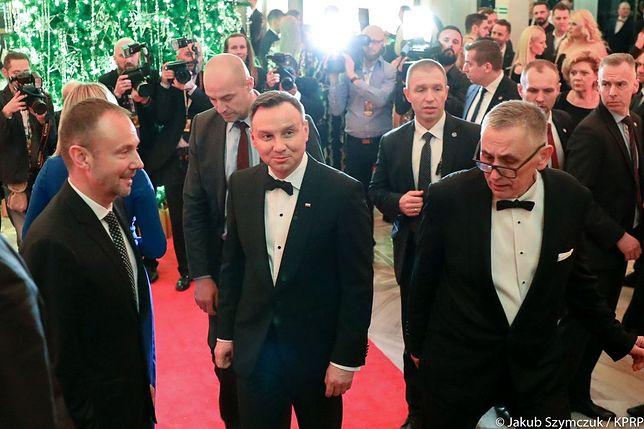 Prezydent Andrzej Duda jest krytykowany za pojawienie się na urodzinach Polsatu.