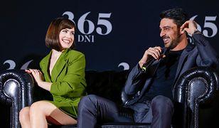 """""""365 dni"""". Czy pomiędzy aktorami narodziło się coś więcej?"""