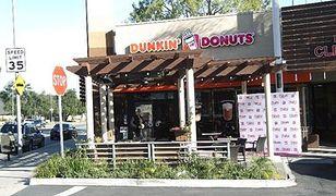 """Dunkin' Donuts modyfikuje menu. """"Śniadaniowa"""" walka z McDonald's"""