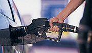 Premier się zdenerwował, ceny benzyny w dół o 10 proc.