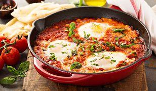 Fit kolacja może być sycąca, zdrowa i bardzo prosta w przygotowaniu.