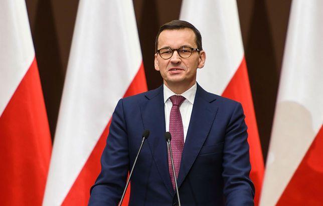 """Premier Mateusz Morawiecki w Wierzchosławicach. """"Stało się wielkie zło. Ale spróbujmy przekuć je w dobro"""""""