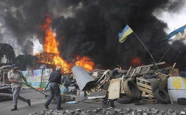 Znów płonęły opony na Majdanie Niepodległości