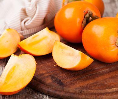 """Kaki, czyli """"owoc bogów"""". Choć wygląda niepozornie, działa antyrakowo i obniża cholesterol"""
